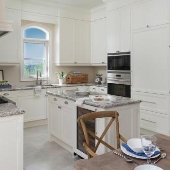 Luxury Kleinburg White Kitchen